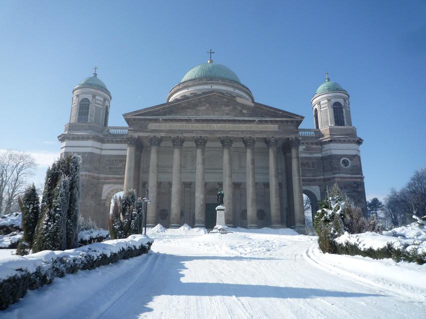 La cathédrale d'Ezstergom, construite au milieu du XIXème siècle, est la plus grande de Hongrie.