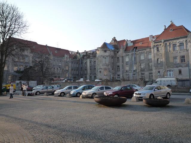 Le lycée d'Ödön Lechner construit en 1906-08 en 2009