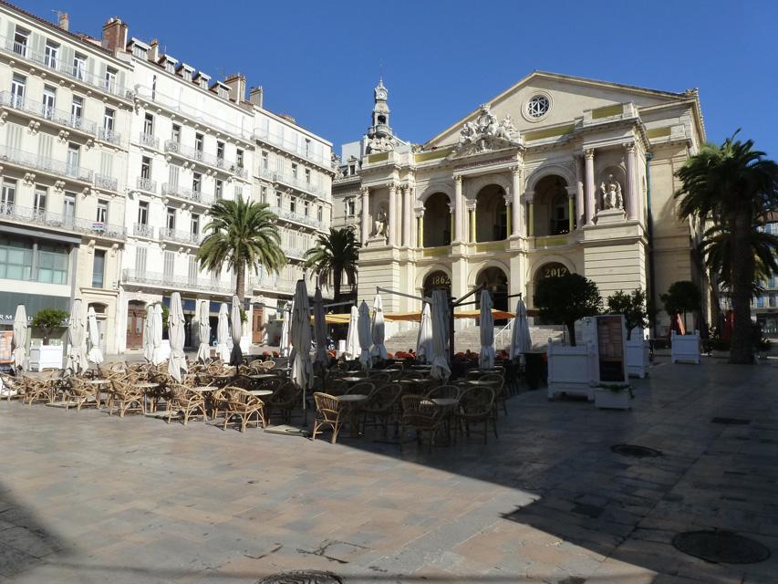 La place Victor Hugo a été crée en même temps que l'opéra.