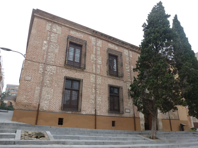 Façade principale du palais de la Cotilla
