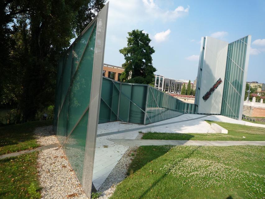 Padoue - Monumento Memoria e Luce (2)