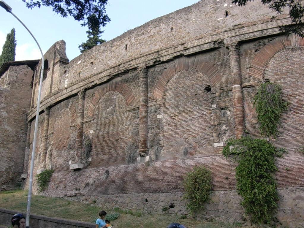 Rome - Amphithéâtre Castrense (2)