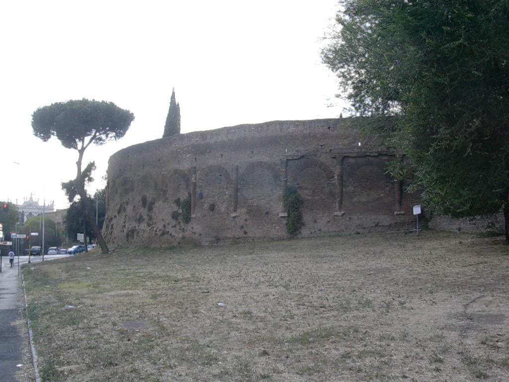 Rome - Amphithéâtre Castrense (3)