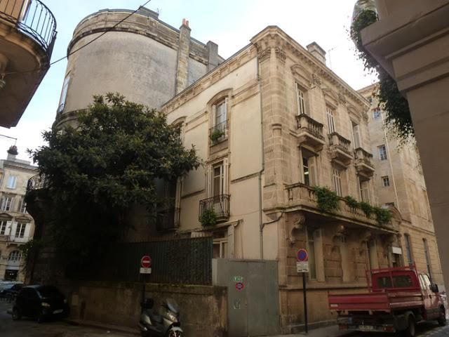 Les restes de l'hôtel des intendants vus de la rue Guillaume Brochon