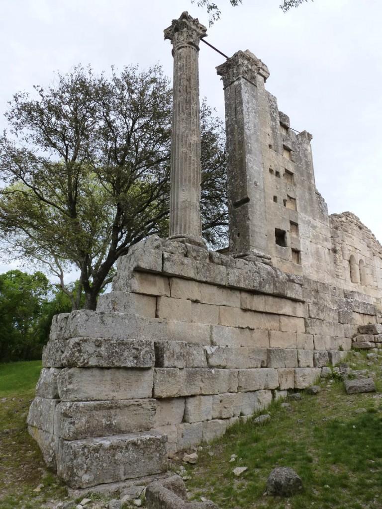Colonne et pilastre d'ordre corinthien