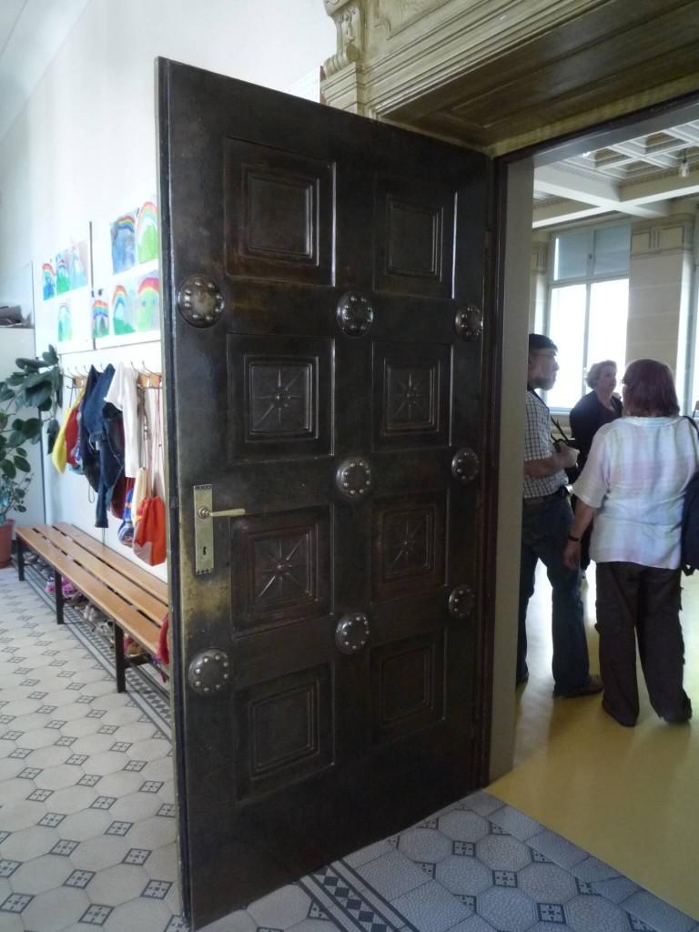 La porte de la salle dorique