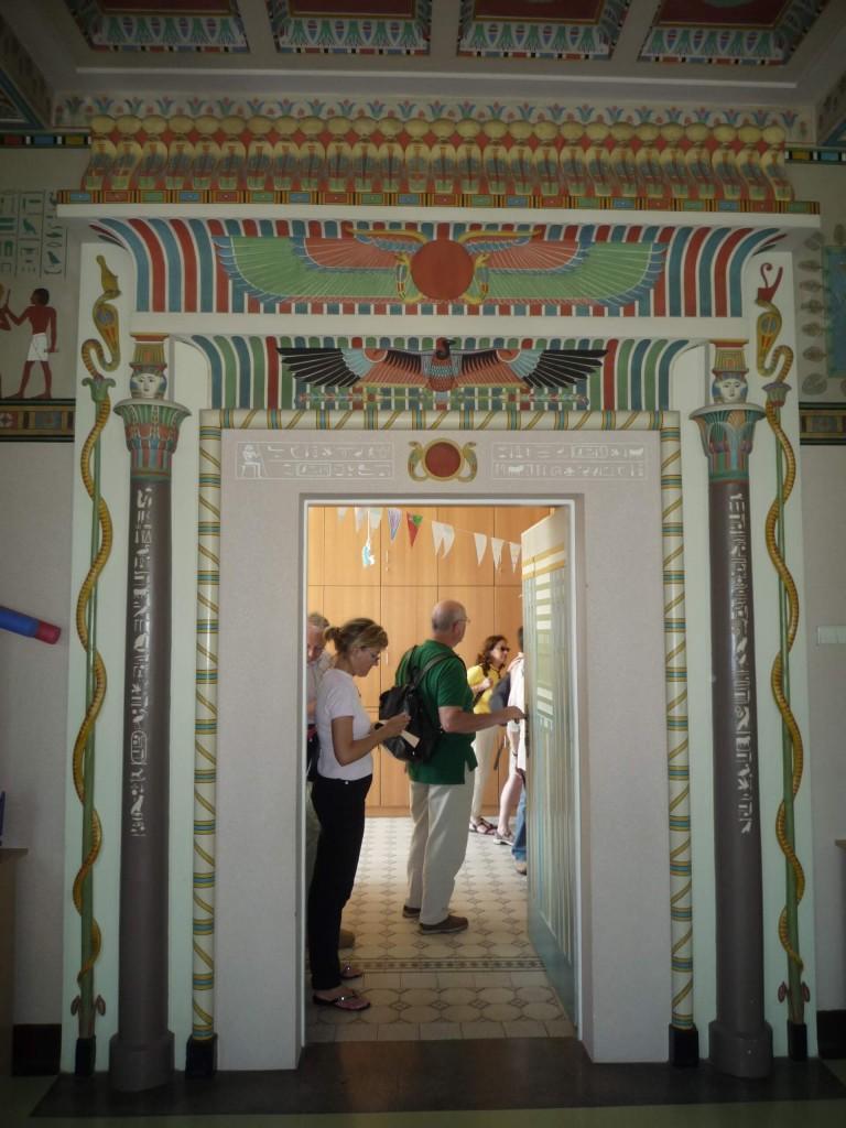 Encadrement de la porte de la salle égyptienne