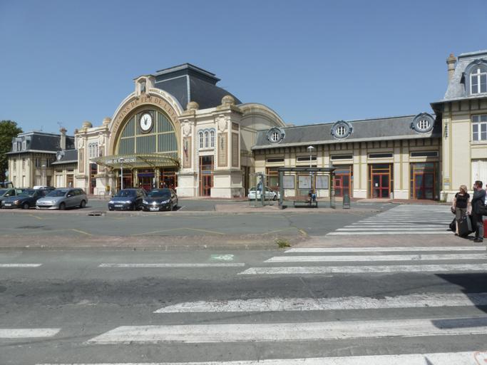 La gare de Rochefort construite en 1913 par l'architecte Pierre Esquié