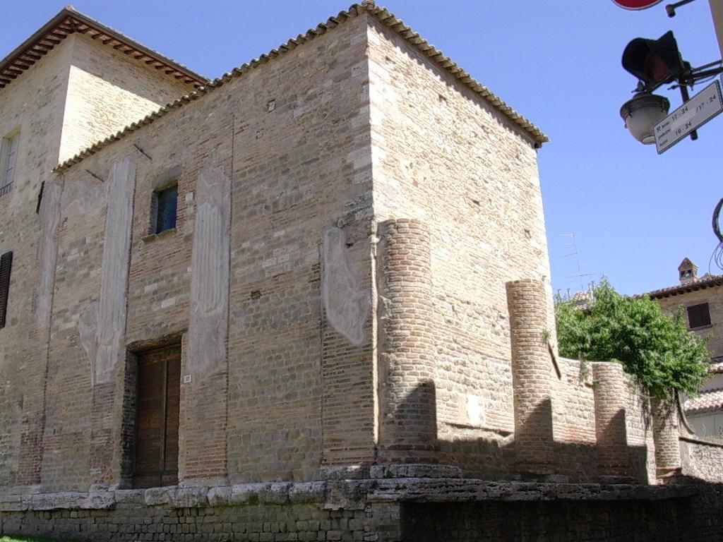 Temple Bevagna (1)