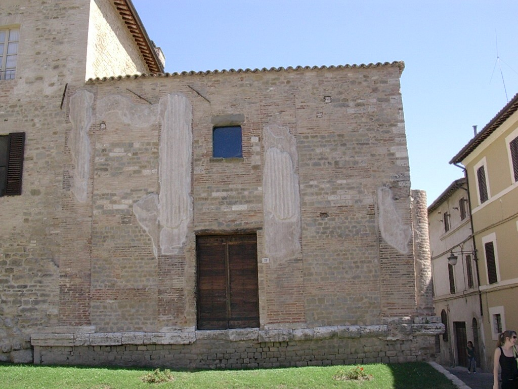 Temple Bevagna (2)