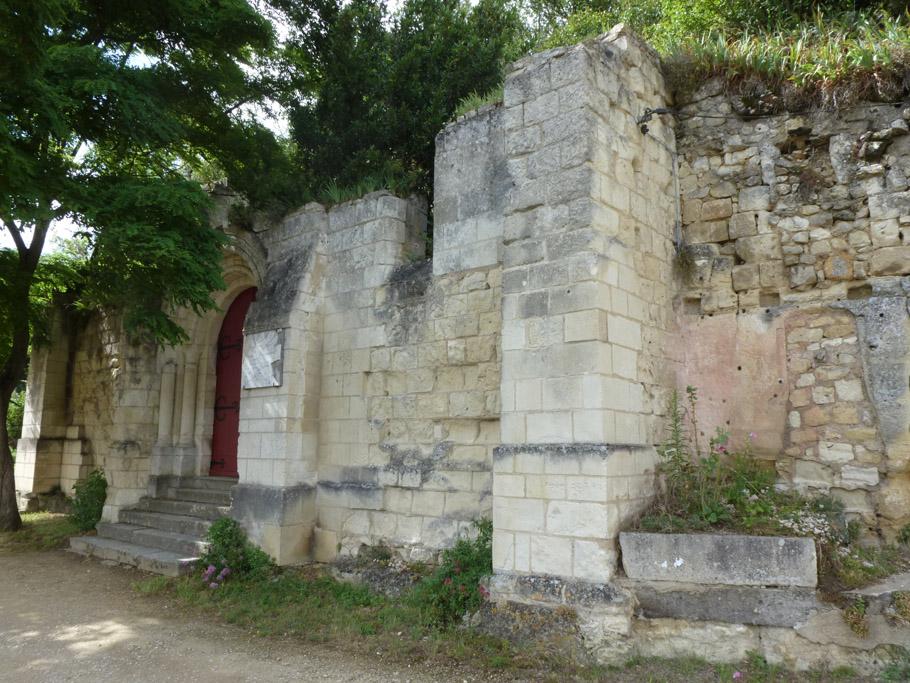 La façade de la chapelle du XIIème siècle