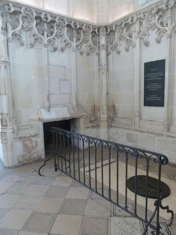 La pierre tombale de Léonard de Vinci