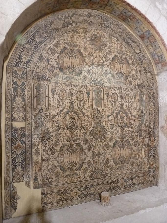 Le papier peint réalisé et posé au XVIIIe siècle est toujours sur les murs d'origine