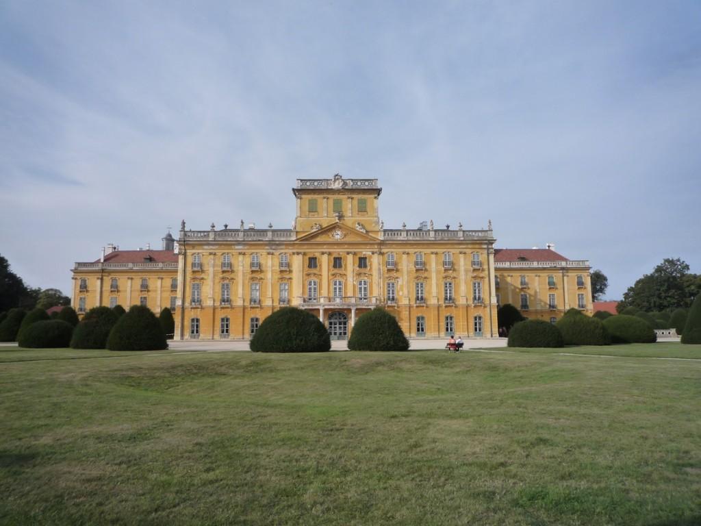 La façade du château côté parc