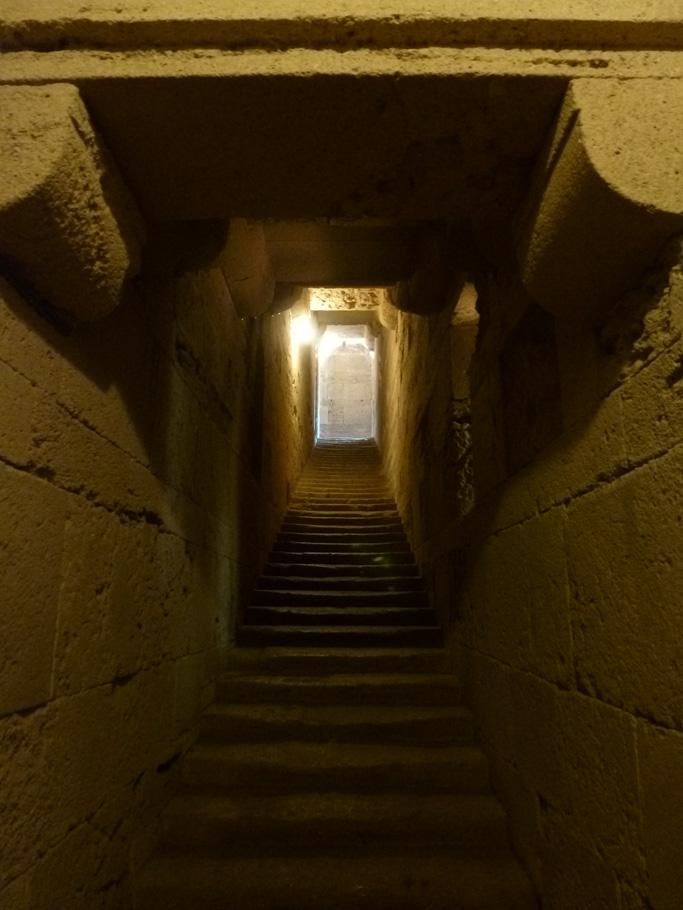 L'escalier d'accès à la tribune de la nef