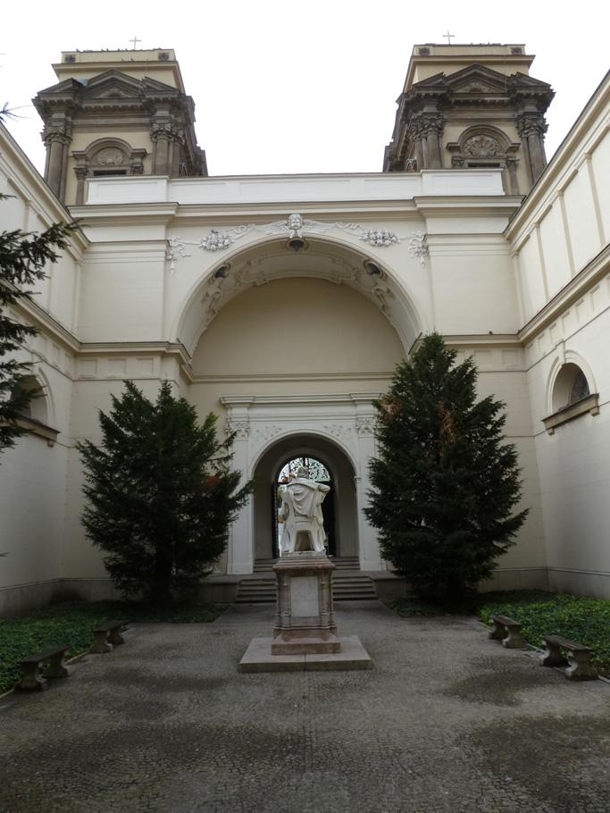 Le jardin a pris la place de la nef de l'ancienne église