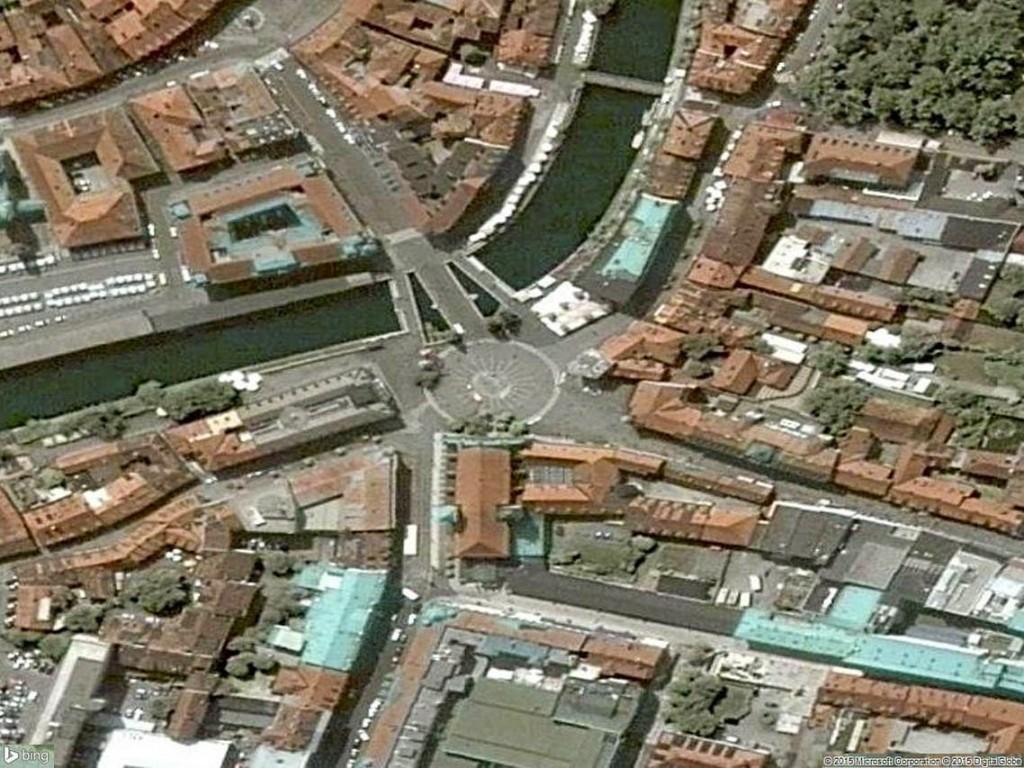 Le pont relie le centre médiéval de Ljubljana au Nord, à la place Prešeren, centre de la capitale slovène.