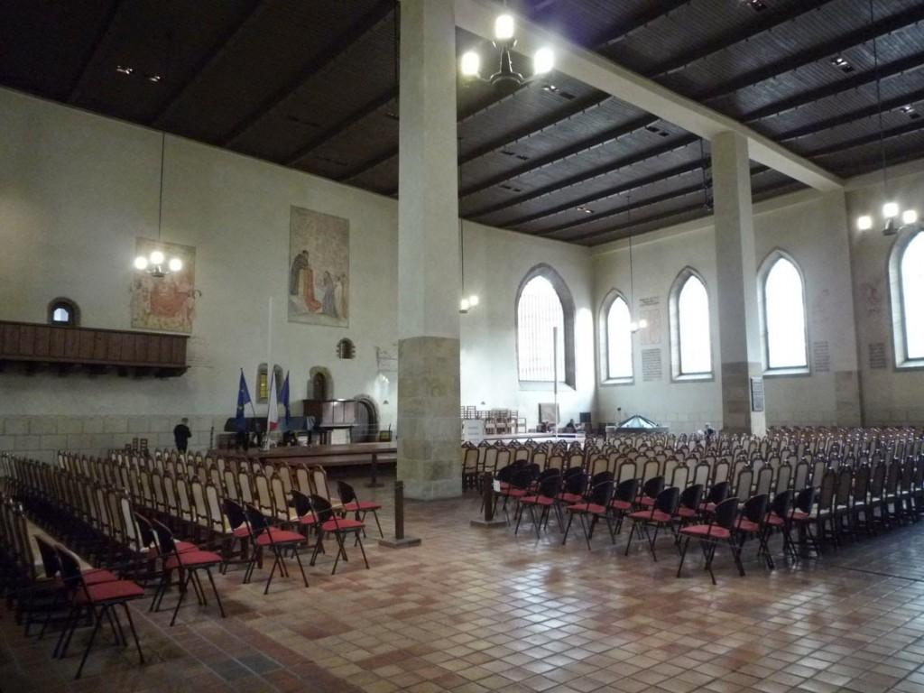 Dans le passé, la chapelle pouvait accueillir jusqu'à 3000 personnes, ce qui en faisait un des plus grands lieux de rassemblement de la Prague médiévale.