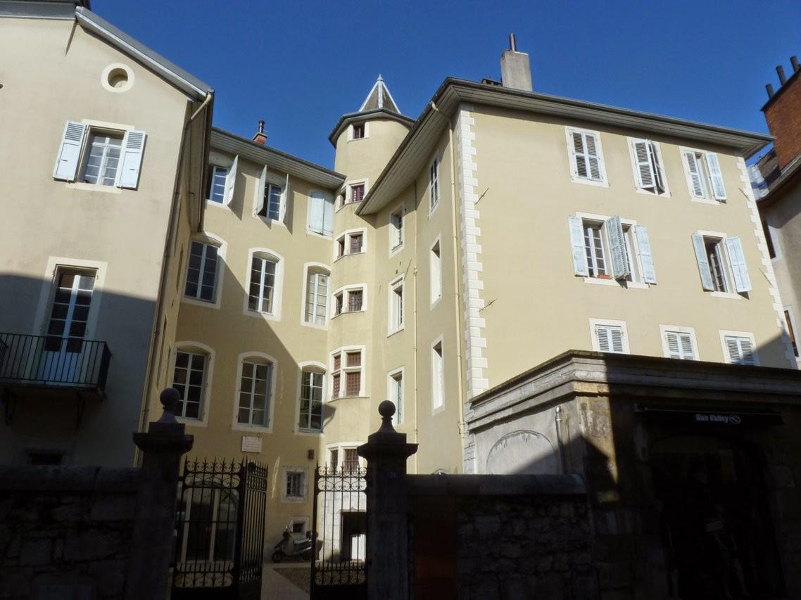 Les alpes architectureanecdotes for Les noms des hotels