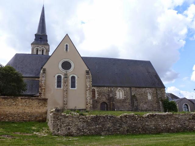 Après la découverte, la nef a été aménagée afin de présenter les restes antiques au public.