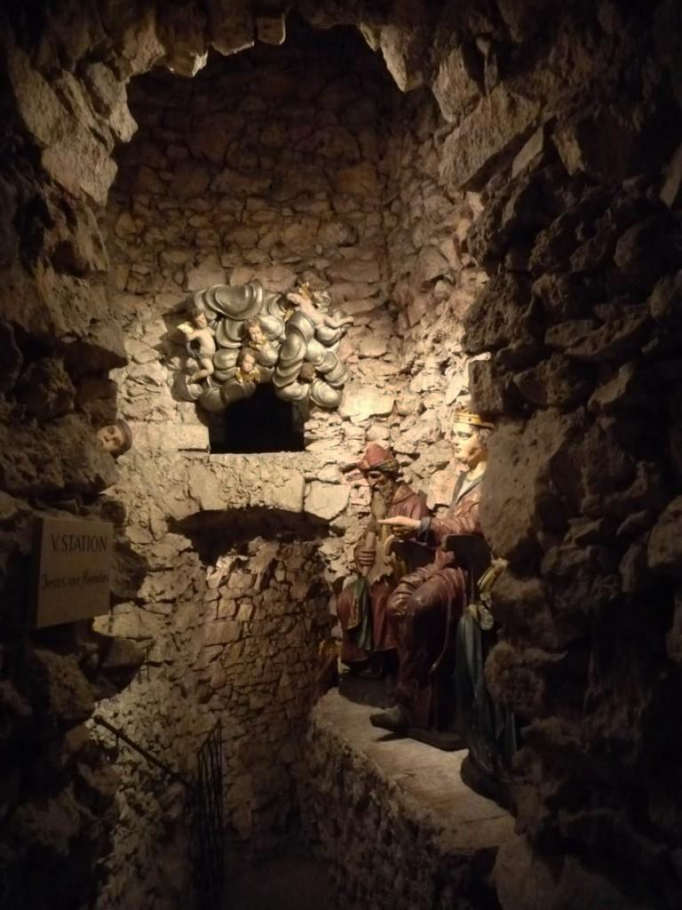 5e station: Jésus devant Hérode
