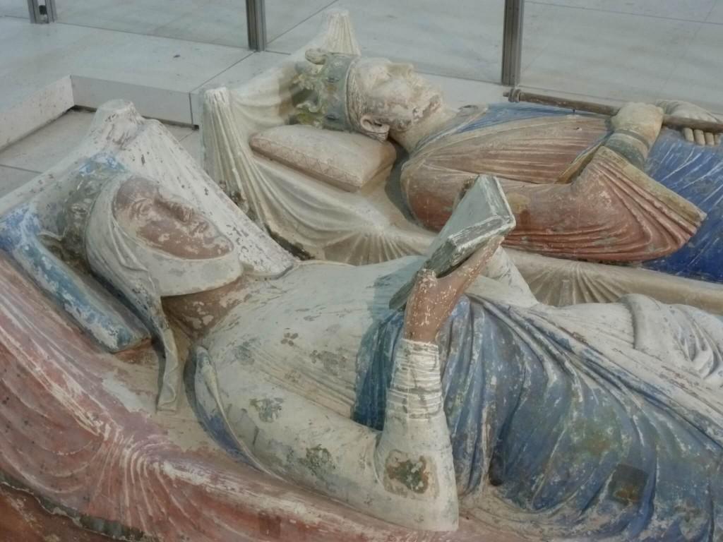 FONTEVRAUD Gisant d'Alienor d'Aquitaine
