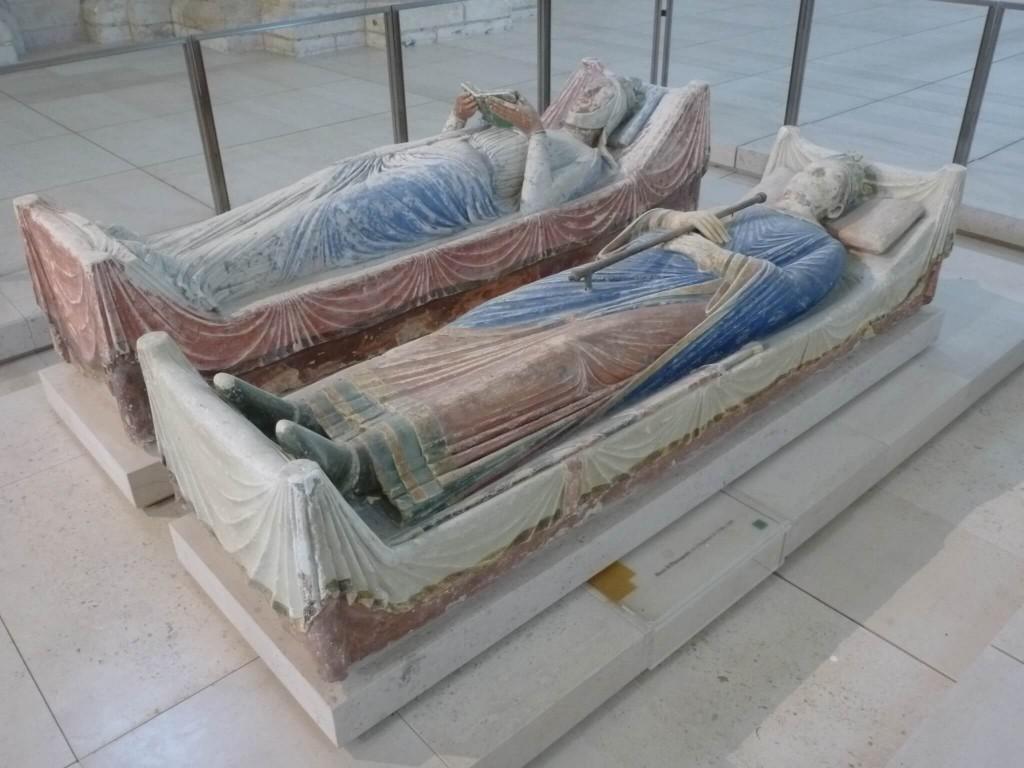 FONTEVRAUD Gisant d'Alienor d'Aquitaine et d'Henri II