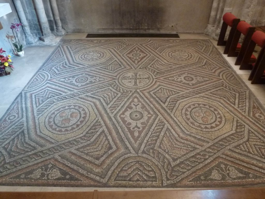 ANTONY - Eglise Saint Saturnin - Mosaique paleo-chretienne