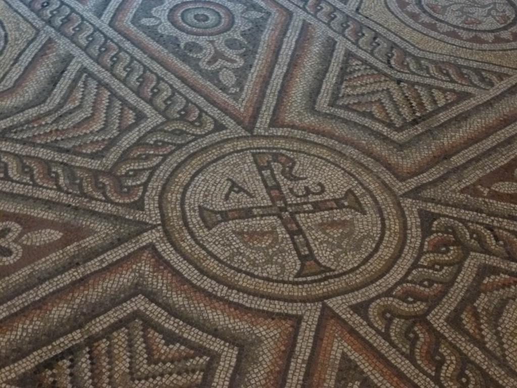 ANTONY - Eglise Saint Saturnin - Mosaique paleo-chretienne 2